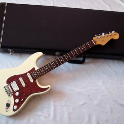 Fender American Deluxe Stratocaster SSH 2011 White for sale
