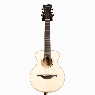 Maxmonte Roe Soprano Acoustic Guitar, Italian Spruce & Italian Walnut for sale