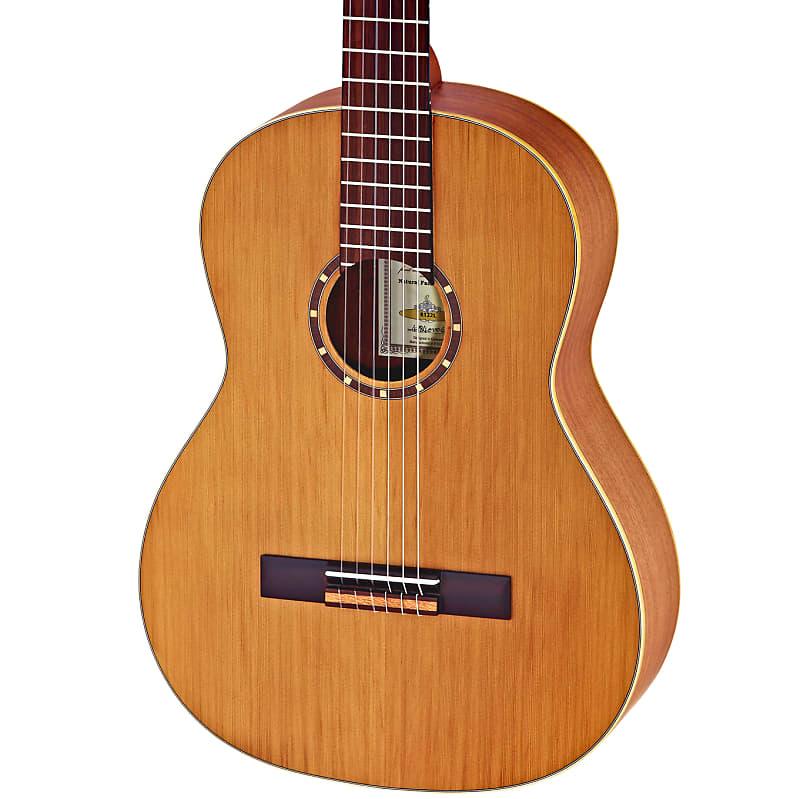 Ortega Family Series Cedar Top Nylon String Left-Handed Acoustic Guitar R122L