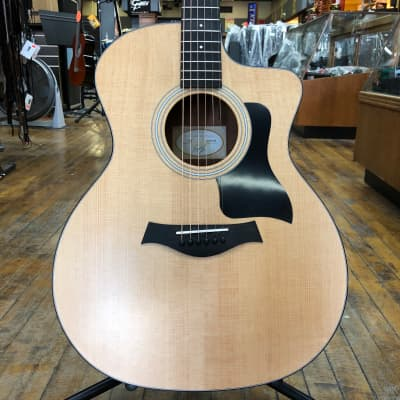 Taylor 114ce Cutaway Grand Auditorium Acoustic-Electric w/Padded Gig Bag