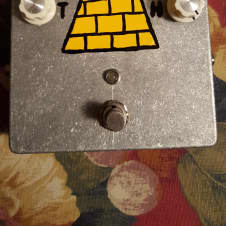 Byooler 'Pyramid's Head' Fuzz Hand-Painted 2018