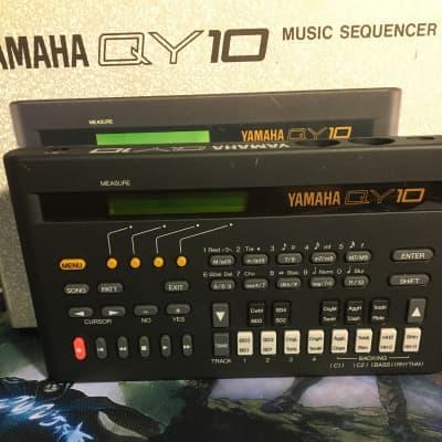 Yamaha qy 10