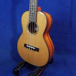 Ohana TK-260G Solid Cedar/Acacia Tenor Ukulele