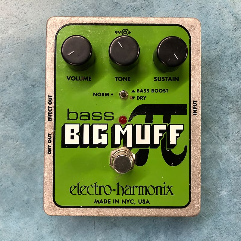 Electro-Harmonix EHX Bass Big Muff Pi Distortion / Sustainer Effects Pedal