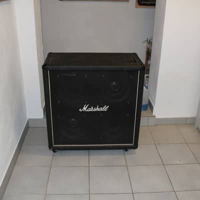alte Marshall Box mit 2x Celestion und 2 x Conquest Speaker
