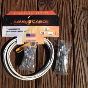 LAVA Solder-Free LARGE Pedalboard Kit - 10ft Cable, 20 Right Angle Plugs WHITE
