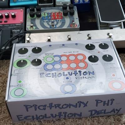 Pigtronix Echolution Phi Analog/Digital Delay Modulation  2010