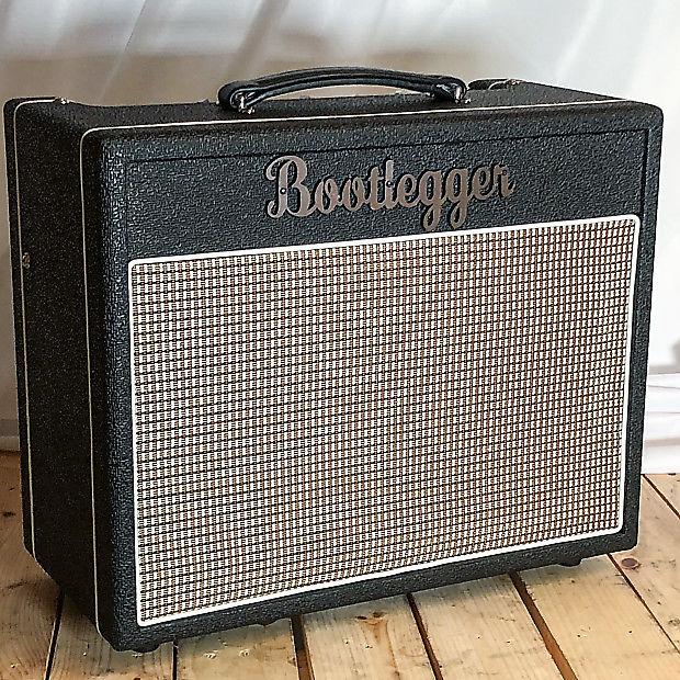 Bootlegger  Blues 15 EA84  Tube  Amp Spring Reverb & Tremolo Black + Cable
