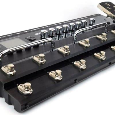 Line 6 Pod X3 Live Amp Modeler Guitar Preamp Effektgerät Pedal + 1.5J Garantie