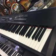 Roland rd-700sx mint with soft case local pickup only