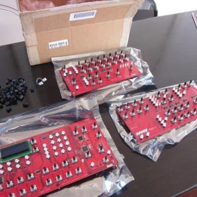 DSI Poly Evolver Encoder boards complete set + knobs