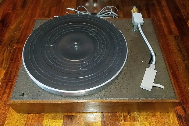 Acoustic Research AR-XA Turntable | Vintage Stereos