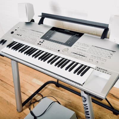Yamaha Tyros 1 keyboard synthesizer Excellent condition w/ speakers, sub, stand