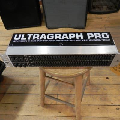 Behringer Ultragraph FBQ-Pro FBQ3102