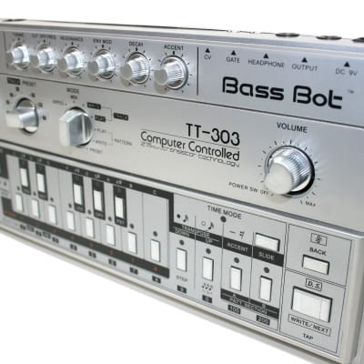 Cyclone Analogic TT-303 Bass Bot V1