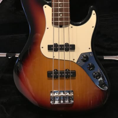 Fender American Deluxe Jazz Bass 2006 Three Color Burst for sale