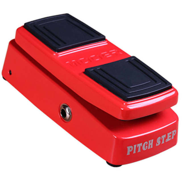 Mooer PITCH STEP is a polyphonic pitch shifter and harmonizer image