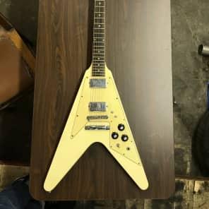 Gibson Flying V 1975-1979