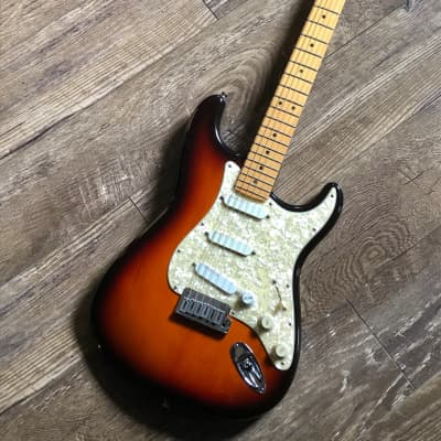 Fender - Strat Plus 1997 Sunburst for sale