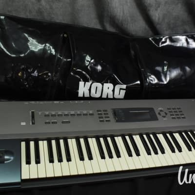 Korg N364 Music Workstation Synthesizer w/ Soft Case (Very Good)