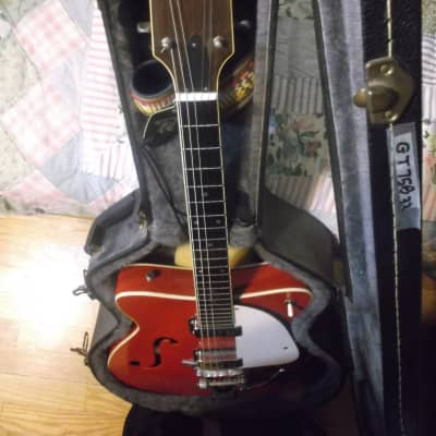 Super Rare Martin GT-75 B  ELECTRIC HOLLOWBODY GUITAR with BIGSBY  - 1967 (Red) for sale