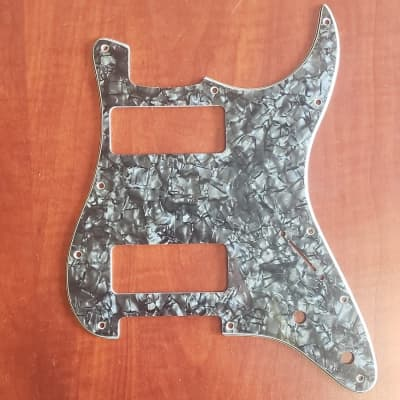 Severe damage and rust metal hendrix Strat pickguard  Hi