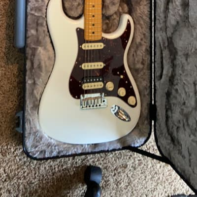 Fender American ultra Strat  2019 Silver with glitter flakes for sale