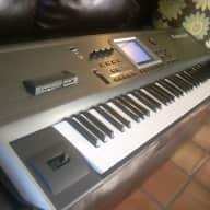 Roland Roland FANTOM Fa76 Fa 76 Key Synthesizer+Pedal