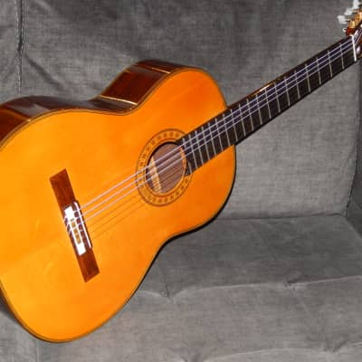 MADE IN 1975 BY NOBORU NAKAYAMA - HEAVENLY SOUNDING CLASSICAL CONCERT GUITAR