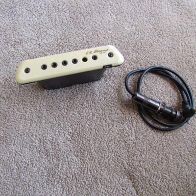 LR Baggs M1A Active Soundhole Pickup w/ Volume Control LR Baggs Soundhole Pickup With Strap Pin Jack