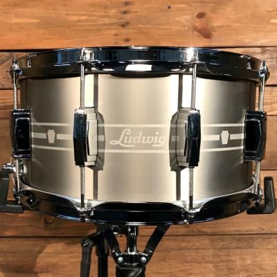 """Ludwig LSTSLS0714 7"""" x 14"""" Heirloom Stainless Steel Snare Drum w/ Imperial Lugs"""