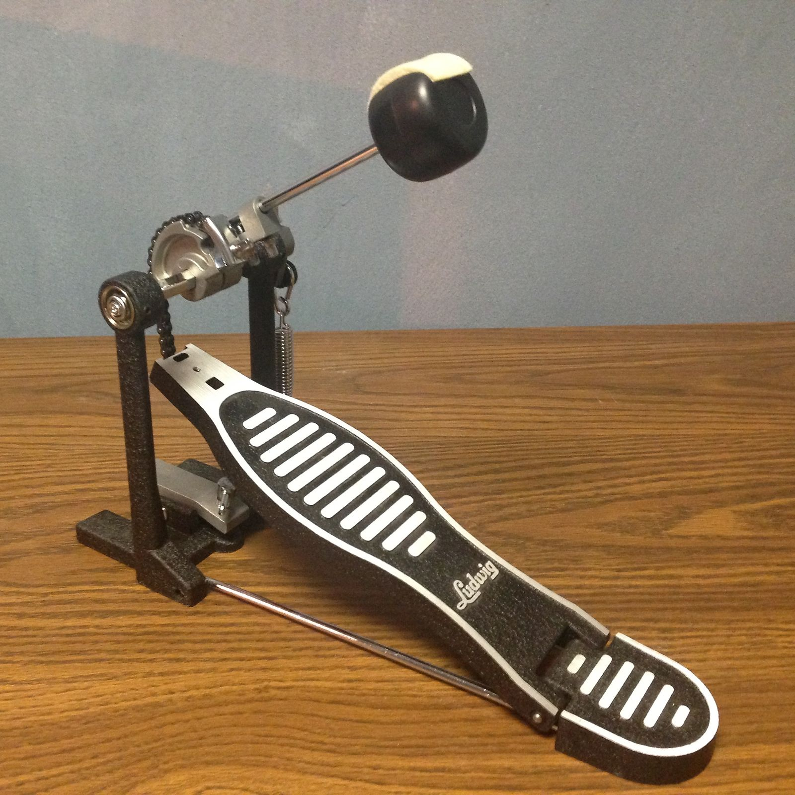 New Ludwig L415FPR Heavy Duty Single Bass Drum Pedal with Reversible Beater