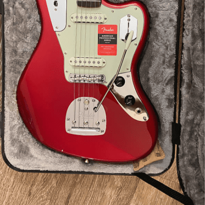 Fender American Professional Jaguar with Rosewood Fretboard 2017 - 2019 Candy Apple Red