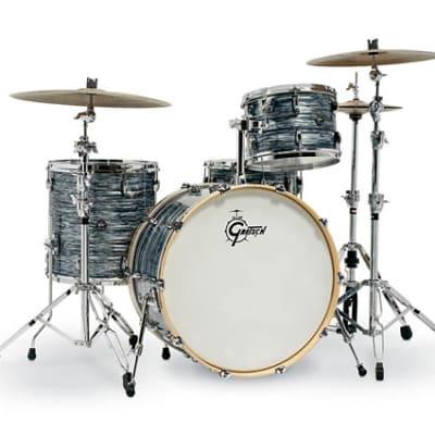 Gretsch Renown 4 Piece Drum Set (24/13/16/14sn) Silver Oyster Pearl RN2-R644-SOP