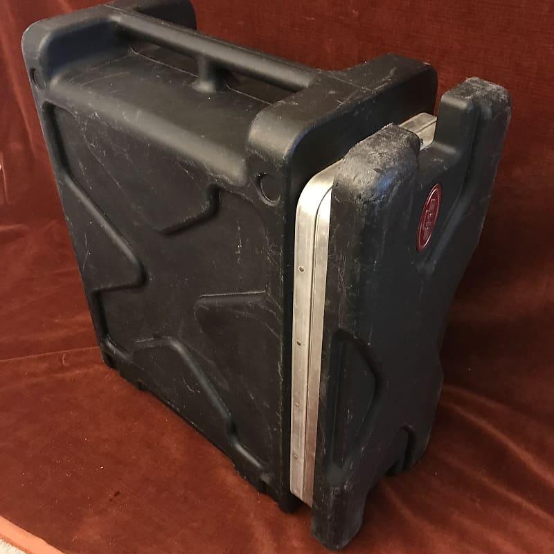 SKB 1SKB-RLX4 4U Roll-X Molded 4-Space Rack Road Case