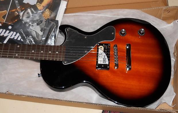 Epiphone Pro-1 les paul JR/Junior electric guitar Pack open box in vintage  sunburst