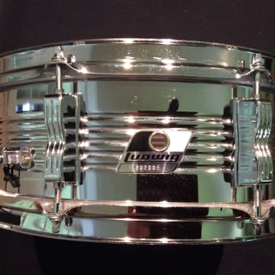"""Ludwig Rocker Chrome LM300 5"""" x 14"""" Snare Drum"""