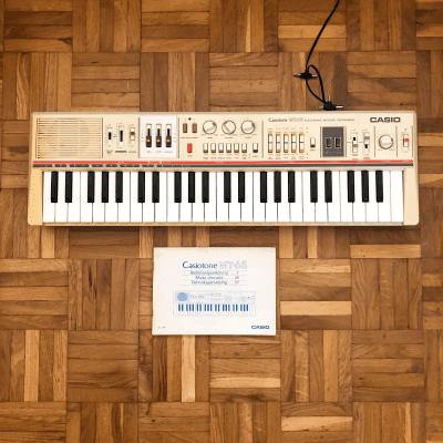 Casio MT-65 Casiotone 49-Key Synthesizer