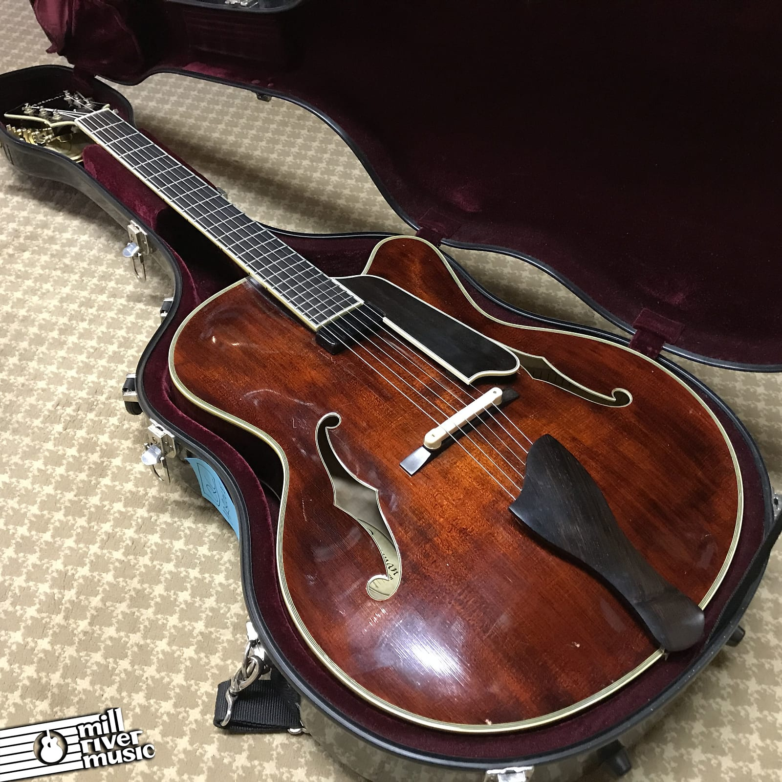 Eastman AR810CE Uptown Archtop Guitar Natural 2005 w/ HSC