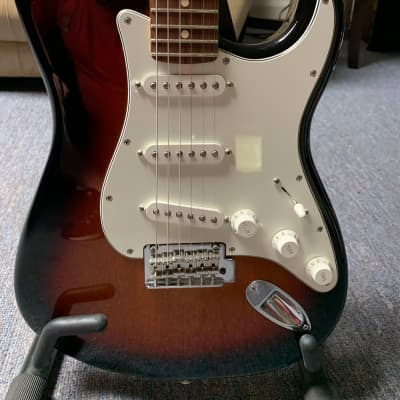 Fender Fender Player Stratocaster, Pau Ferro Fb, 3-Color Sunburst  2019 3 Color Sunburst for sale