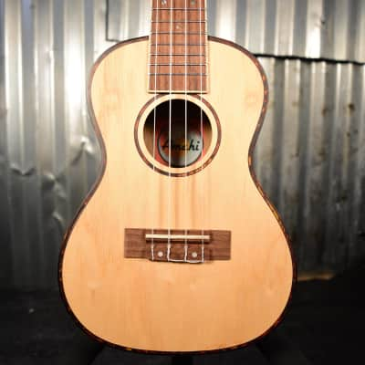 Amahi UK880C Classic Quilted Ash Ukulele (Floor Model)