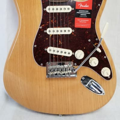 Fender Limited Edition Lightweight Ash American Professional Stratocaster, Rosewood Fingerboard, Aged Natul for sale