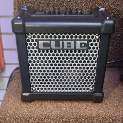 "Roland MICRO CUBE GX 3W 1X5"" Battery-Powered Guitar Combo Amp"