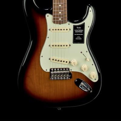 Fender Vintera '60s Stratocaster - 3-Color Sunburst #53459