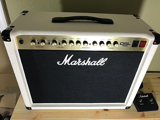 Marshall DSL40C Cream/White with footswitch *Mint* | Deershoe