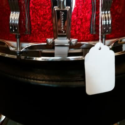 Ludwig Classic Maple 5x14 Red Sparkle Snare Drum