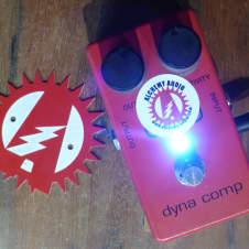 MXR M-102 Dyna Comp Compressor Alchemy Audio Modified Ross Specs Guitar Effects Pedal