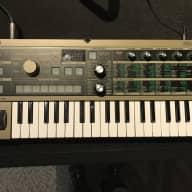Korg MicroKorg Synthesizer with Vocoder