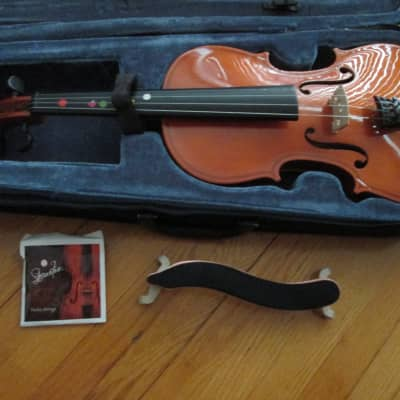 4/4 Violin with Bow & Extras