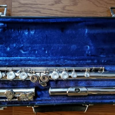 Beautiful Deford Flute!  Totally restored and near mint condition.